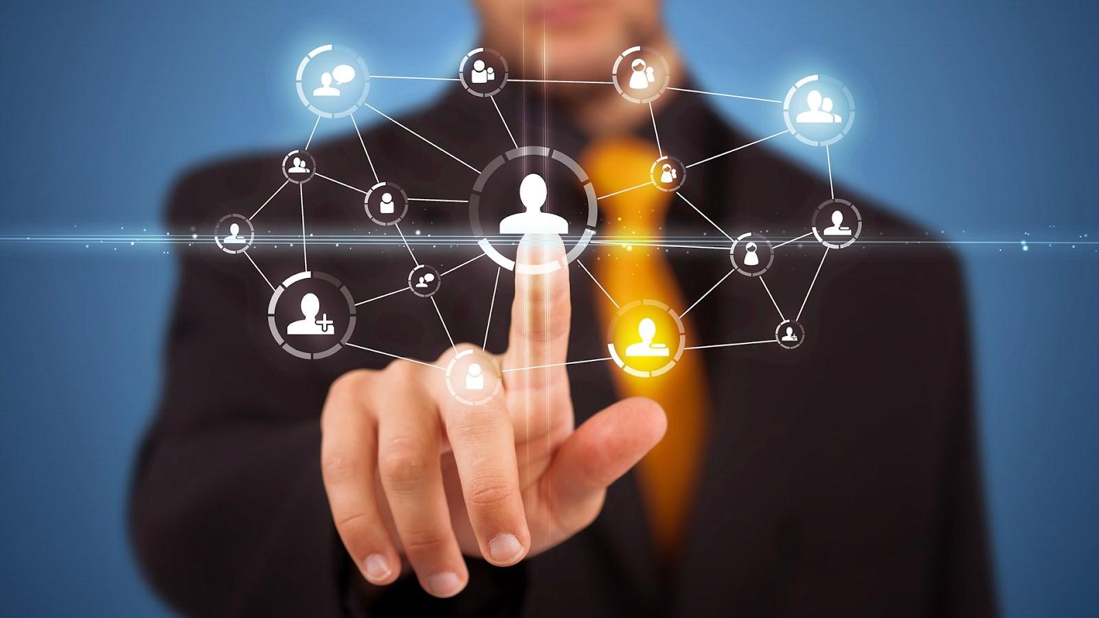 ¿Por qué es necesaria la Inteligencia Emocional (IE) en el mundo empresarial y social actual?