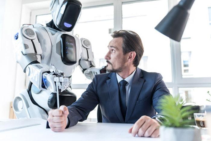 ¿Aceptarías a un robot como jefe?